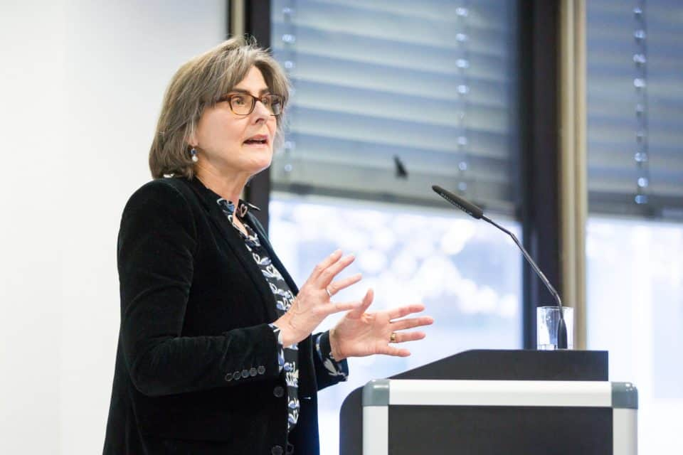 Barbara Stollberg-Rilinger: Warum nicht losen? Zufallsentscheidungen in der Frühen Neuzeit