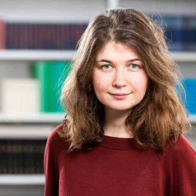 Portrait Emily Drewing