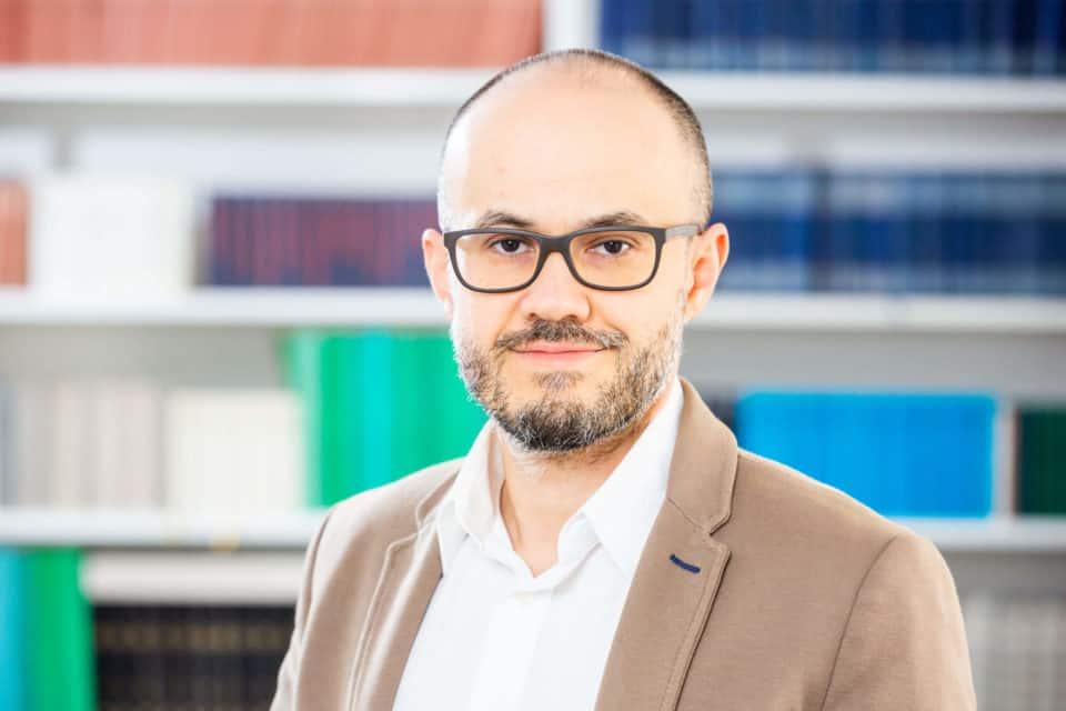 Dr. Erden Attila Aytekin