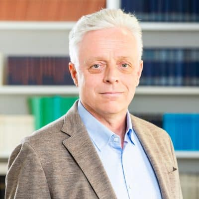 Portrait Dr. Armin Flender