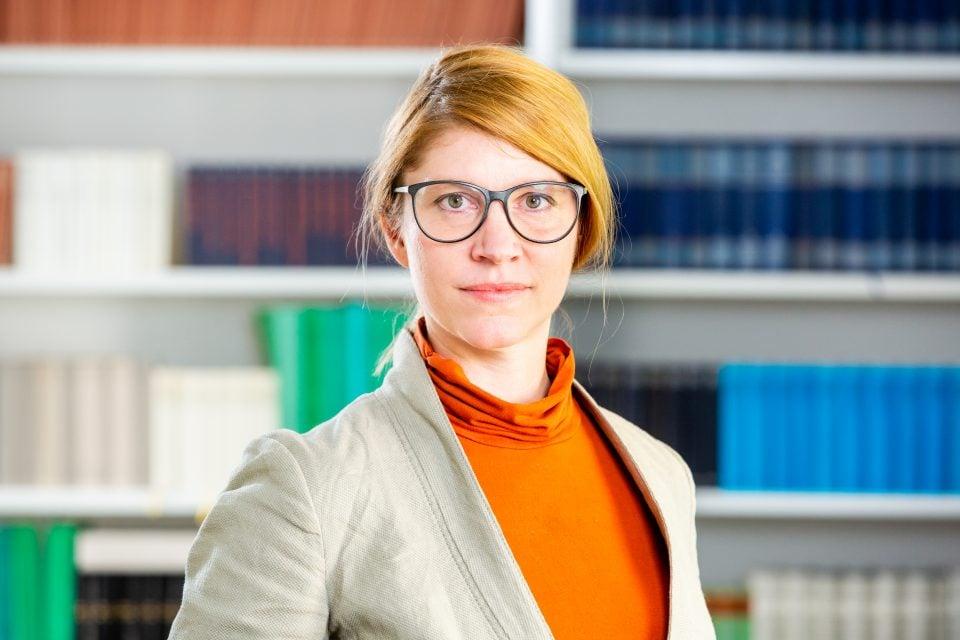 Dr. Nina Verheyen