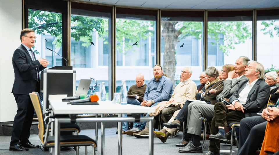 Historiker Jörn Leonhard am KWI
