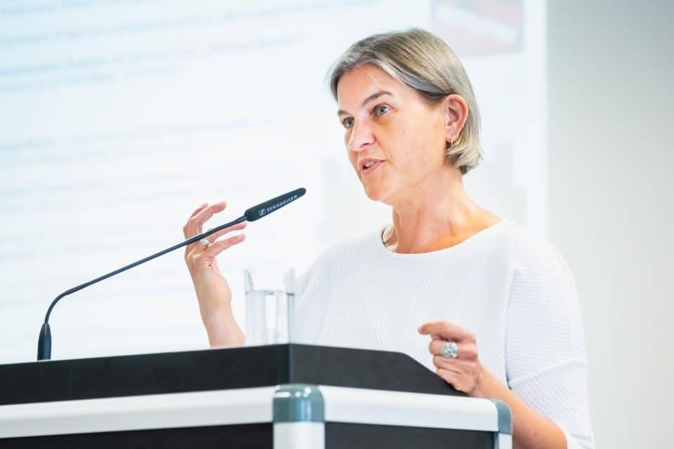 """Sybille Frank spricht am KWI über """"Stadt und Heritage als neue Nahbeziehung"""""""