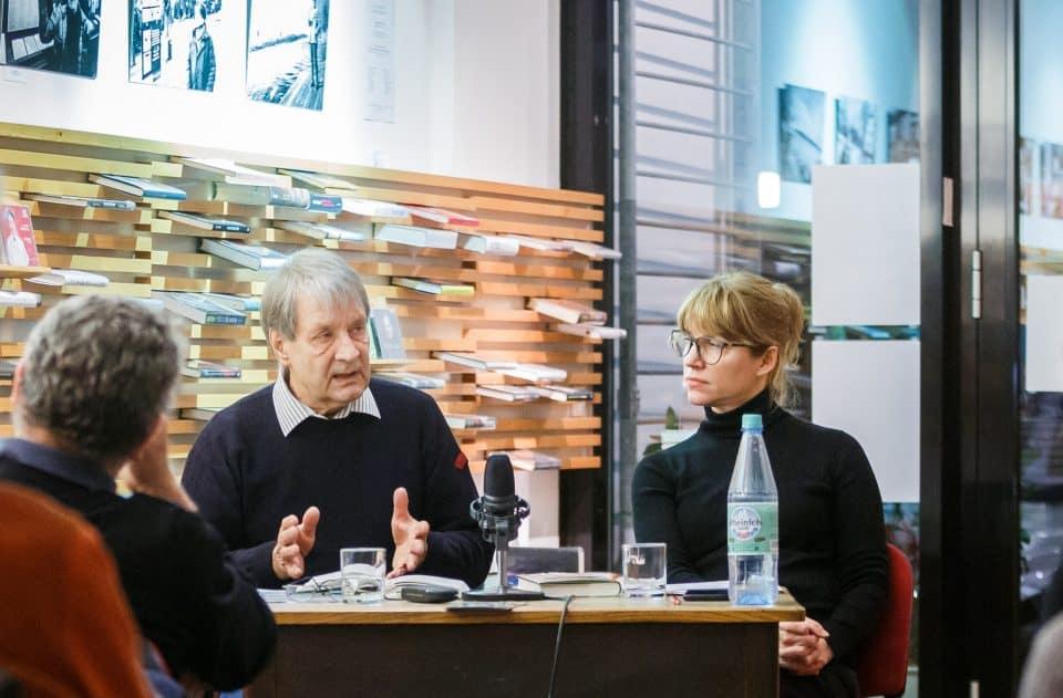 Literaturwissenschaftler Ludwig Fischer im Gespräch mit Nina Verheyen, die durch den Abend führte. © KWI, Foto: Huber, eventfotograf.in