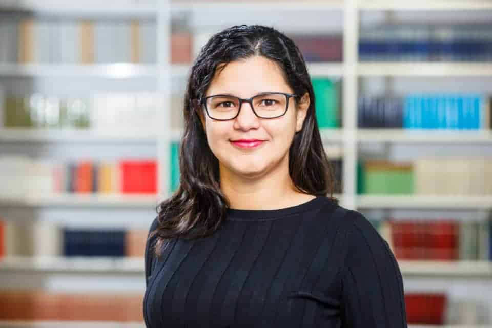Dr. Carla Rodrigues Almeida